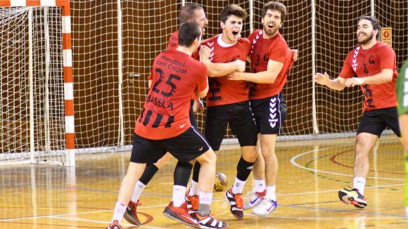 Àlex Rubiño, celebrant el gol / Font: Handbol Sant Cugat