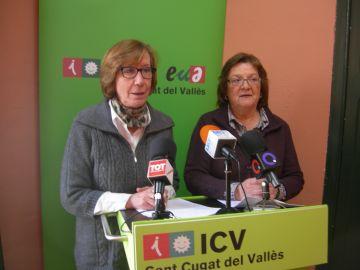 Roser Casamitjana, a la dret, amb Montse Espanyol de Dones amb Iniciativa