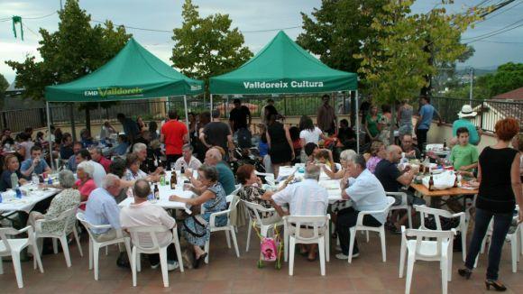Sardines, botifarres i bingo: ingredients de la festa major de la Colònia Montserrat
