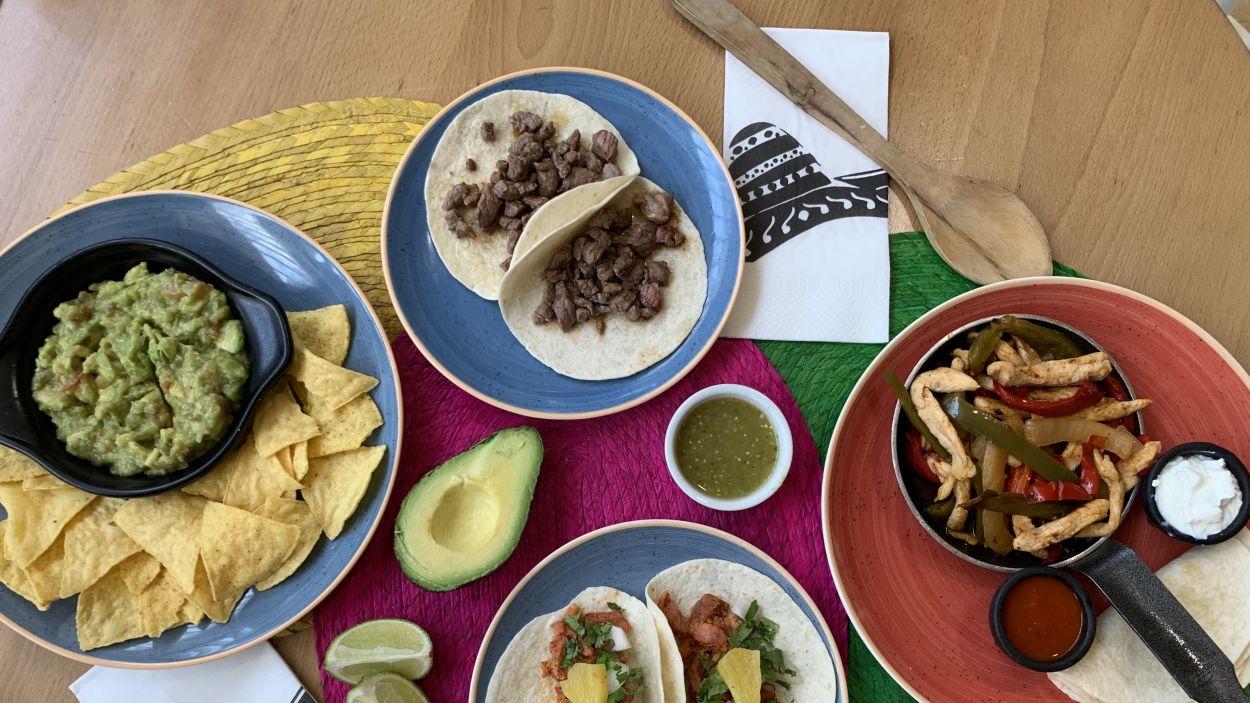 Els santcugatencs i santcugatenques poden continuar gaudint de menjar internacional a domicili / Foto: Cedida per Panchito