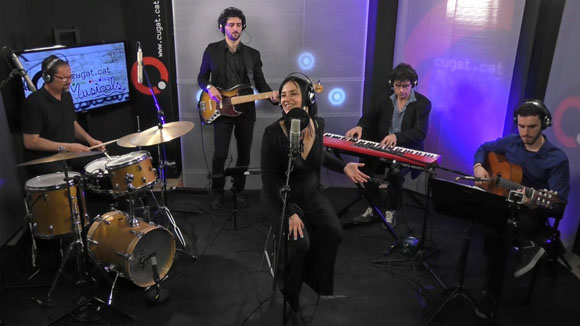 Anna Luna & Urubú en acústic a Cugat tv