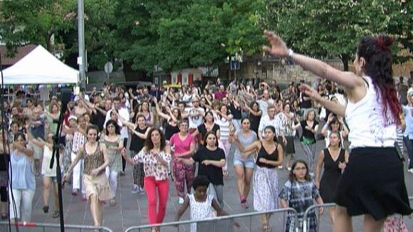 Can Quitèria s'omple de dansa amb una classe oberta de 'jazzsteps'