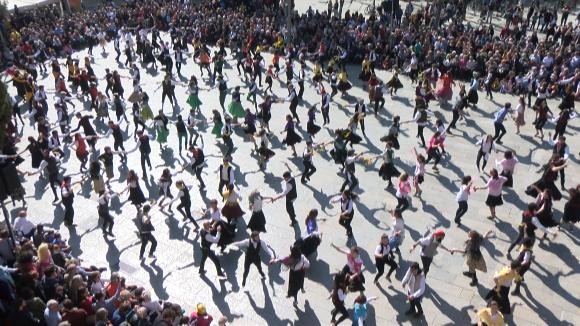 328 participants han fet seu el Ball de Gitanes