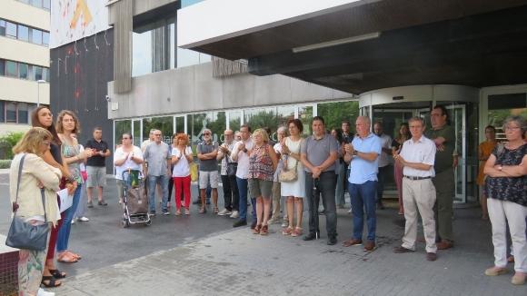 Sant Cugat recorda les víctimes dels atemptats de Barcelona i Cambrils amb cinc minuts de silenci