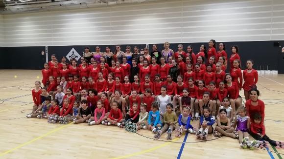 L'Escola de Patinatge Artístic exhibeix talent i continuïtat esportiva