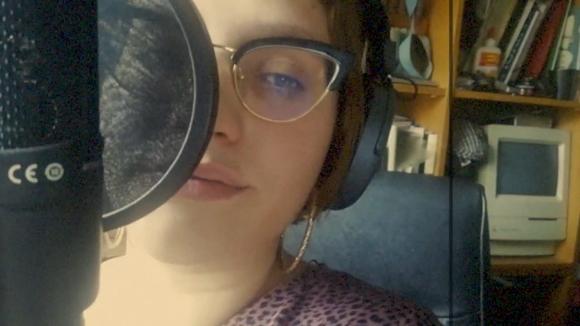 La cantant Lia Kali rapeja per combatre el coronavirus al CobeatChallenge