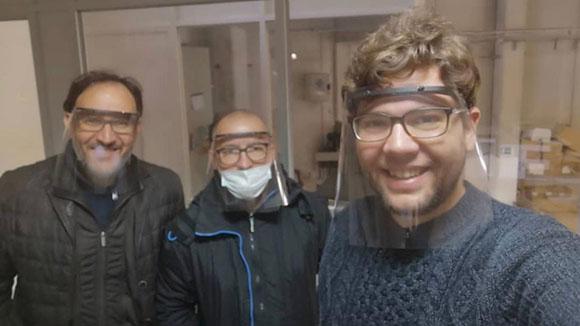 Santcugatencs fabriquen pantalles protectores amb impressores 3D