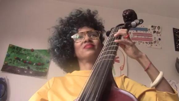 Lixsania Fernández, membre de 'Contratemps', dedica una cançó al personal sanitari