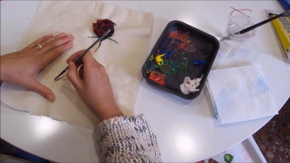 Maria Fabre de Pou d'Art ens ensenya a fer una rosa per Sant Jordi