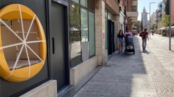 Els veïns del barri del Monestir-Sant Francesc es queden sense caixers