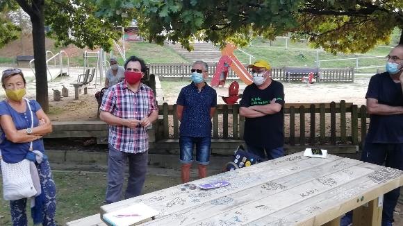 Veïns de la Floresta i les Planes exigeixen una resposta sobre els centres sociosanitaris