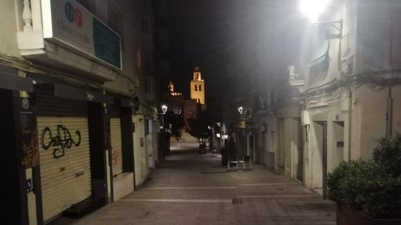 El silenci de Sant Cugat les primeres hores del toc de queda