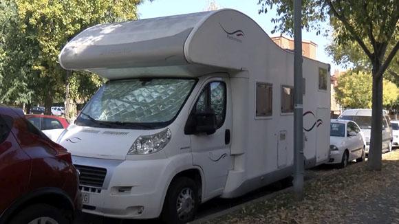 On s'han d'aparcar les caravanes i les autocaravanes?