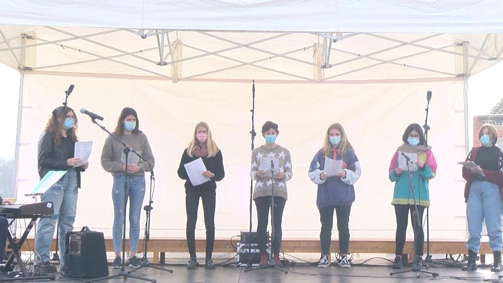 Nadales al carrer: Cor Jove Escola Fusió