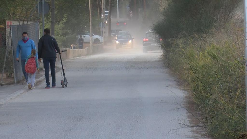L'Ajuntament manté el compromís de pavimentar el tram pendent d'accés a l'Avenç