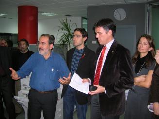 Promusa dóna la raó als veïns de Benet Cortada i es compromet a resoldre les deficiències dels pisos