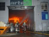 El foc s'ha iniciat quan un operari manipulava productes inflamables