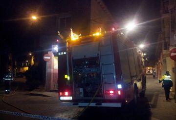 Un incendi ha cremat part d'un despatx d'arquitectes situat al carrer de Sant Bartomeu