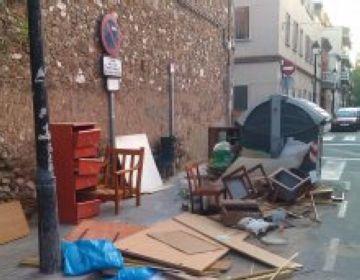 La uaSC denuncia incivisme al voltant dels contenidors