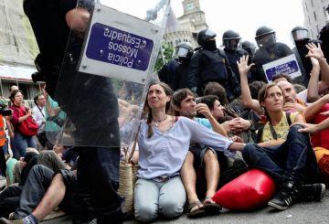 La CUP dóna suport als detinguts pels 'fets del Parlament'
