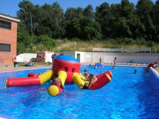Els santcugatencs poden gaudir de l'estiu i passar la calor a les piscines municipals
