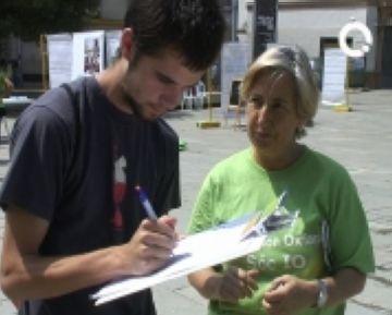 L'organització ha recollit signatures a la plaça d'Octavià