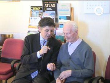 El jesuïta Jaume Tilló rep la medalla Pi d'en Xandri pel seus 100 anys