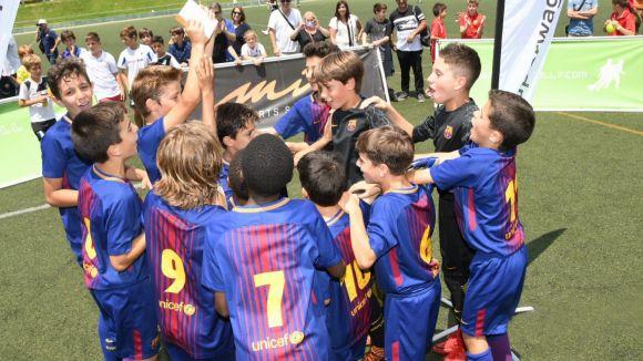 Els blaugrana celebren el títol de campió /  Foto: Xavier Riera
