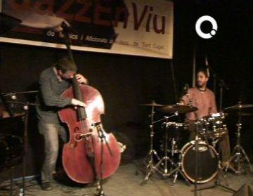 L'associació Jazzenviu celebra el primer aniversari envoltat de músics i amics