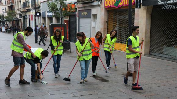 Les JERC reclamen un 12 d'octubre laborable escombrant la ciutat