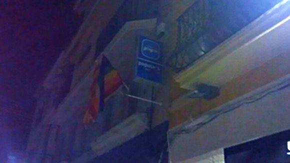 Imatge de la bandera a la seu del PP / Foto: JERC