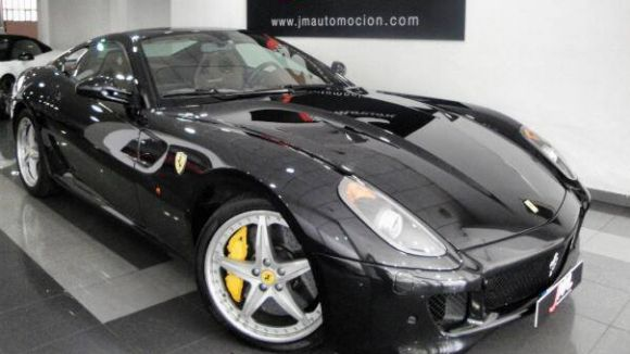 JM Automoción ven cotxes de luxe / Foto: Facebook JM Automoción