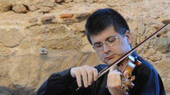 El violí de Joan Espina ressona avui al Claustre del Monestir