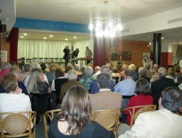 Pilar Català i Federico Velarde, màxims guanyadors dels Jocs Florals de la Gent Gran del Vallès Occidental