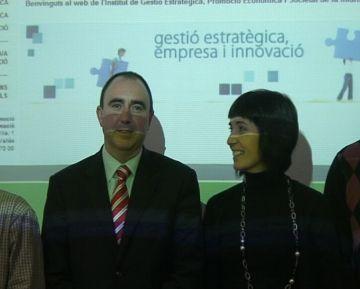 Alcaldes i regidors bascos s'interessen pel model d'administració pública de Sant Cugat