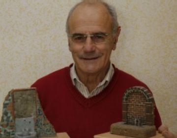 Jordi Roca presenta maquetes de Sant Cugat a la mostra 'Descobreix el teu poble'