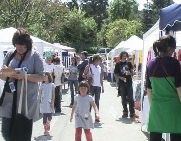 Literatura, teatre i artesania apleguen centenars de valldoreixencs a la celebració de Sant Jordi del districte