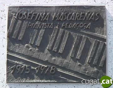 Placa commemorativa restaurada