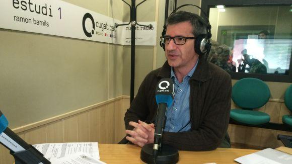 Josep Maria Vallès als estudis de Cugat.cat (91.5 FM) durant l'entrevista al 'Sant Cugat a fons'