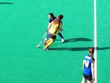 El Junior femení cau derrotat en el primer partit de la fase de permanència