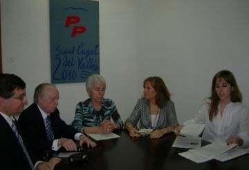 La junta electa del PP creu que la destitució és una estratègia per col·locar Jordi Carreras de cap de llista