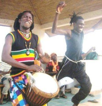Un viatge al Senegal i cursos de dansa africana, les propostes d'estiu de Karamalà