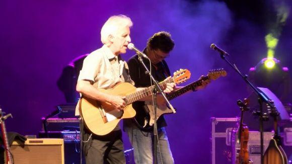 Kiko Veneno es fica el públic a la butxaca en un dels concerts estrella de Festa Major