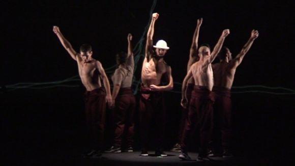 Kulbik atrau el públic santcugatenc amb una nova manera d'entendre la dansa