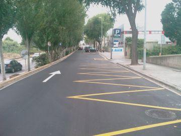 L'Ajuntament repavimenta el lateral de la carretera de Rubí