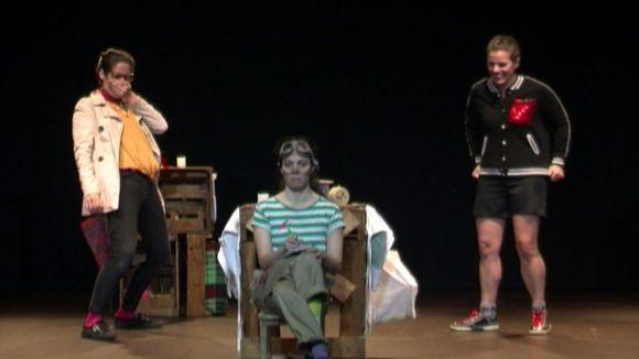 'Les Supertietes' reivindiquen la importància d'aquesta figura al Teatre de Mira-sol