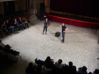 'Les coses de la forma' apropa el món del teatre amb comèdia i innovació
