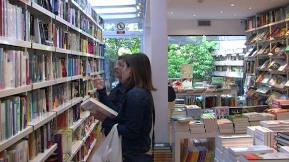 Diversitat d'opinions a les llibreries per la decisió del Gremi de Llibreters