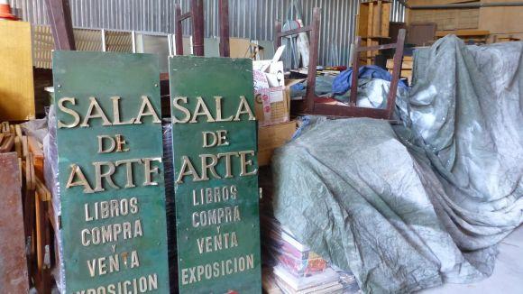 Un blog d'internet relata el trasllat del fons de la llibreria Canuda a Sant Cugat