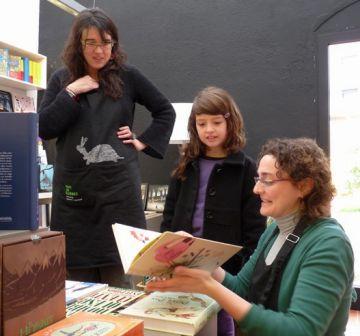 El Pati de Llibres aposta per llegir en anglès amb família la propera temporada